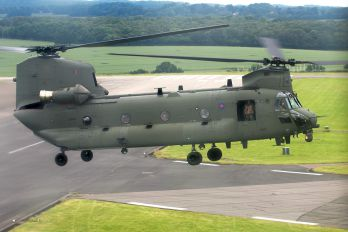ZK552 - Royal Air Force Boeing Chinook HC.6
