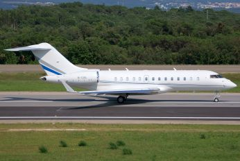 M-IUNI - Private Bombardier BD-700 Global 5000