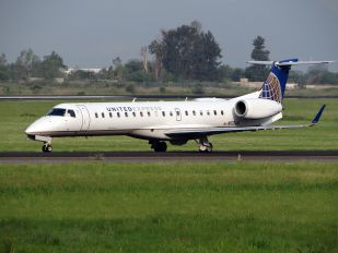 N11164 - United Express Embraer ERJ-145LR