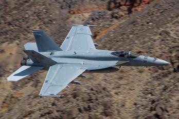 166949 - USA - Navy Boeing F/A-18E Super Hornet