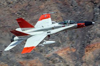 165210 - USA - Navy McDonnell Douglas F/A-18C Hornet