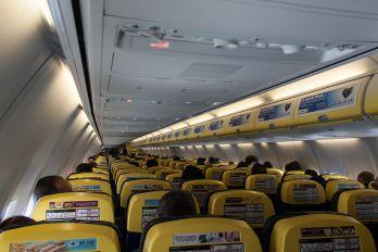 EI-EVW - Ryanair Boeing 737-800