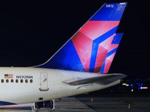 N592NW - Delta Air Lines Boeing 757-300
