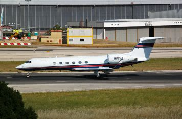 N300K - Private Gulfstream Aerospace G-V, G-V-SP, G500, G550