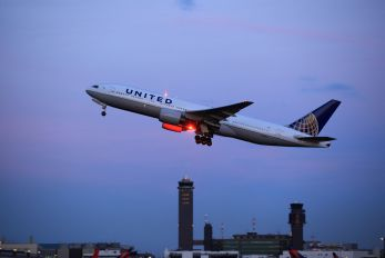 N793UA - United Airlines Boeing 777-200ER