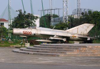 5121 - Vietnam - Air Force Mikoyan-Gurevich MiG-21MF