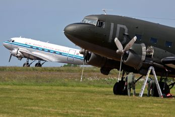 N74598 - Private Douglas C-47A Skytrain