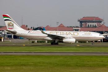 A6-EYO - Etihad Airways Airbus A330-200