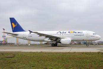 EI-DSM - Air One Airbus A320