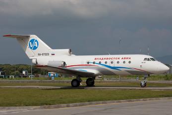 RA-87325 - Vladivostok Avia Yakovlev Yak-40