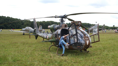 4069 - France - Army Aerospatiale SA-341 / 342 Gazelle (all models)