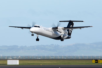 ZK-NEQ - Air New Zealand Link - Air Nelson de Havilland Canada DHC-8-300Q Dash 8