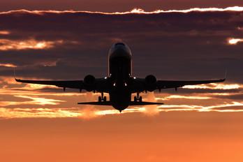 EI-DLY - Ryanair Boeing 737-800