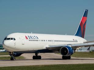 N194DN - Delta Air Lines Boeing 767-300ER