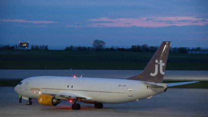 OY-JTI - Jet Time Boeing 737-400
