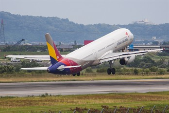 HL7278 - Asiana Airlines Airbus A321