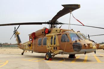 575 - Israel - Defence Force Sikorsky S-70A-9 Yanshuf 3