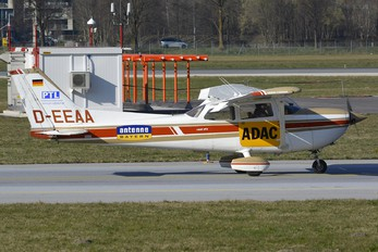 D-EEAA - ADAC Luftrettung Reims F/FR172 Reims Rocket (all types)