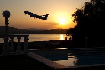 G-TAWO - Thomson/Thomsonfly Boeing 737-800