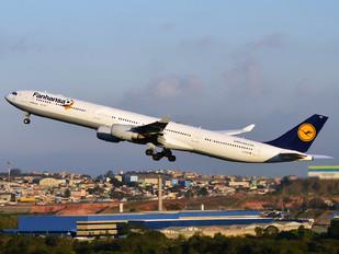 D-AIHN - Lufthansa Airbus A340-600