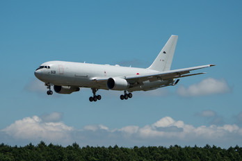87-3601 - Japan - Air Self Defence Force Boeing KC-767J
