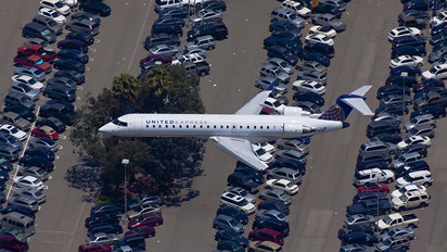 N716SK - United Express - SkyWest Canadair CL-600 Challenger 600 series