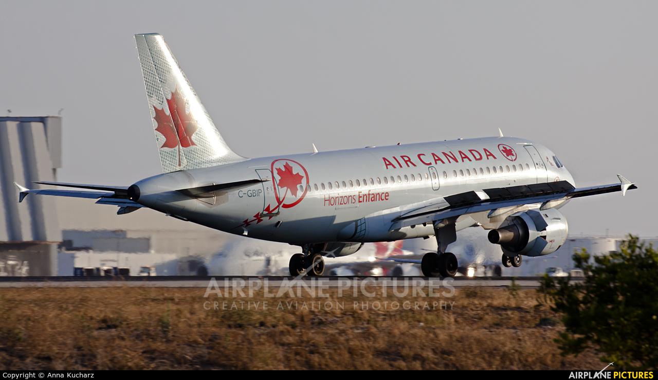 Air Canada C-GBIP aircraft at Los Angeles Intl