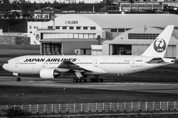 JA007D - JAL - Japan Airlines Boeing 777-200