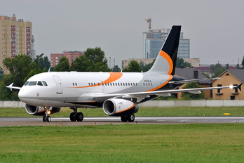 P4-RLA - Private Airbus A319 CJ