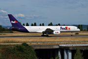N913FD - FedEx Federal Express Boeing 757-200F aircraft
