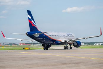 VQ-BRW - Aeroflot Airbus A320