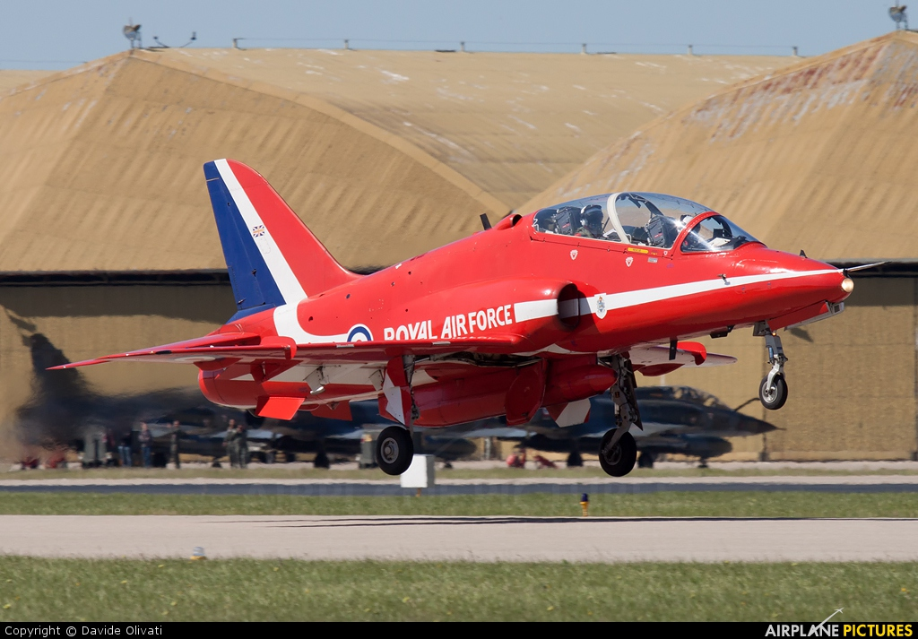 "Royal Air Force ""Red Arrows"" XX319 aircraft at Salon-de-Provence"