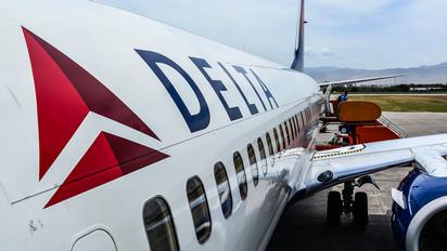 N393DA - Delta Air Lines Boeing 737-800