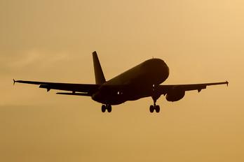 HA-LPN - Wizz Air Airbus A320