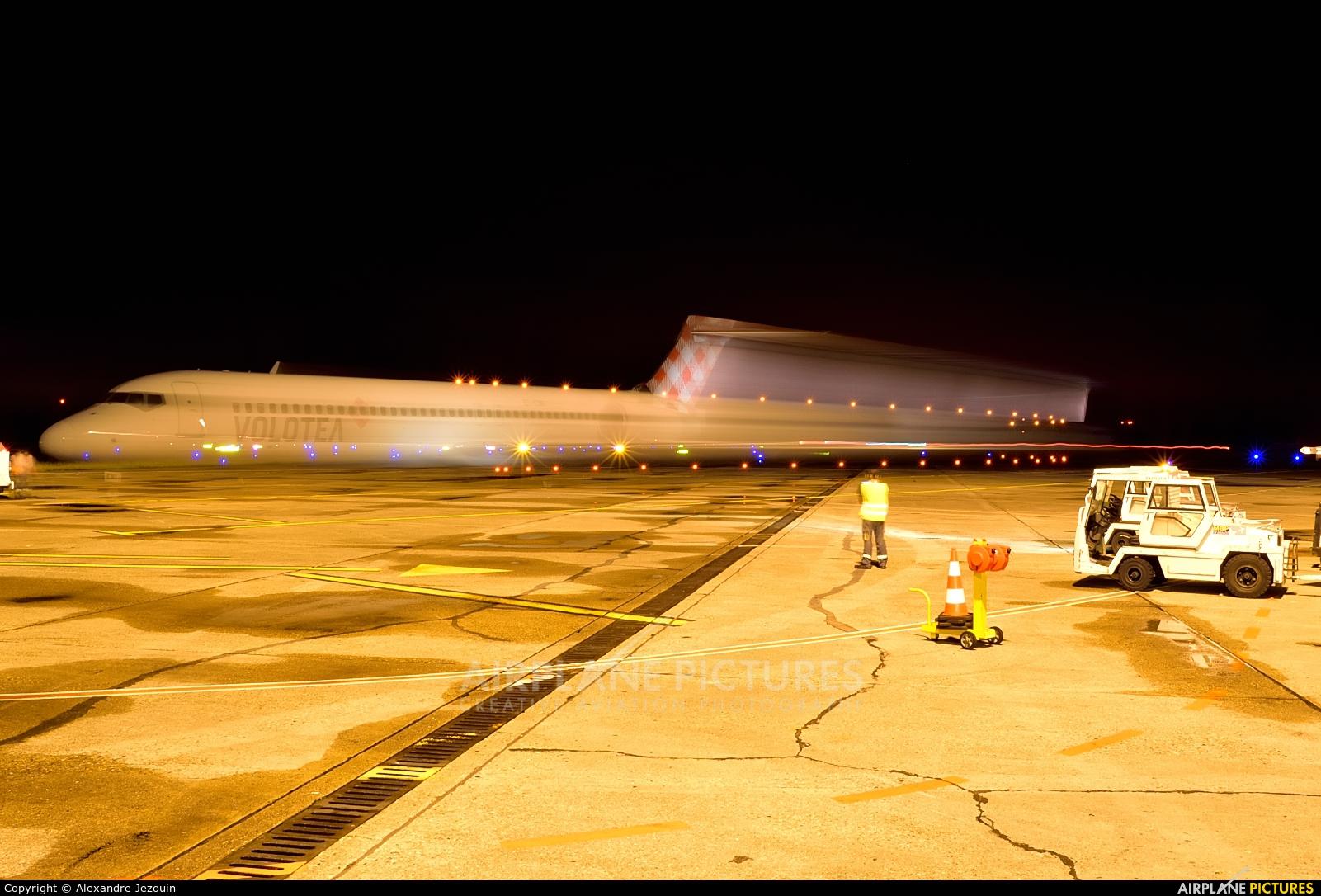 Volotea Airlines EI-EWI aircraft at Bordeaux - Merignac