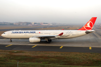 TC-JNL - Turkish Airlines Airbus A330-300