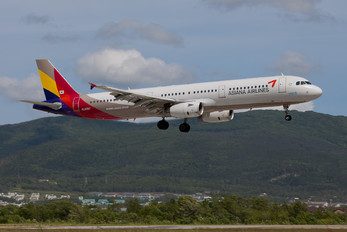 HL8257 - Asiana Airlines Airbus A321