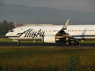 N546AS - Alaska Airlines Boeing 737-800