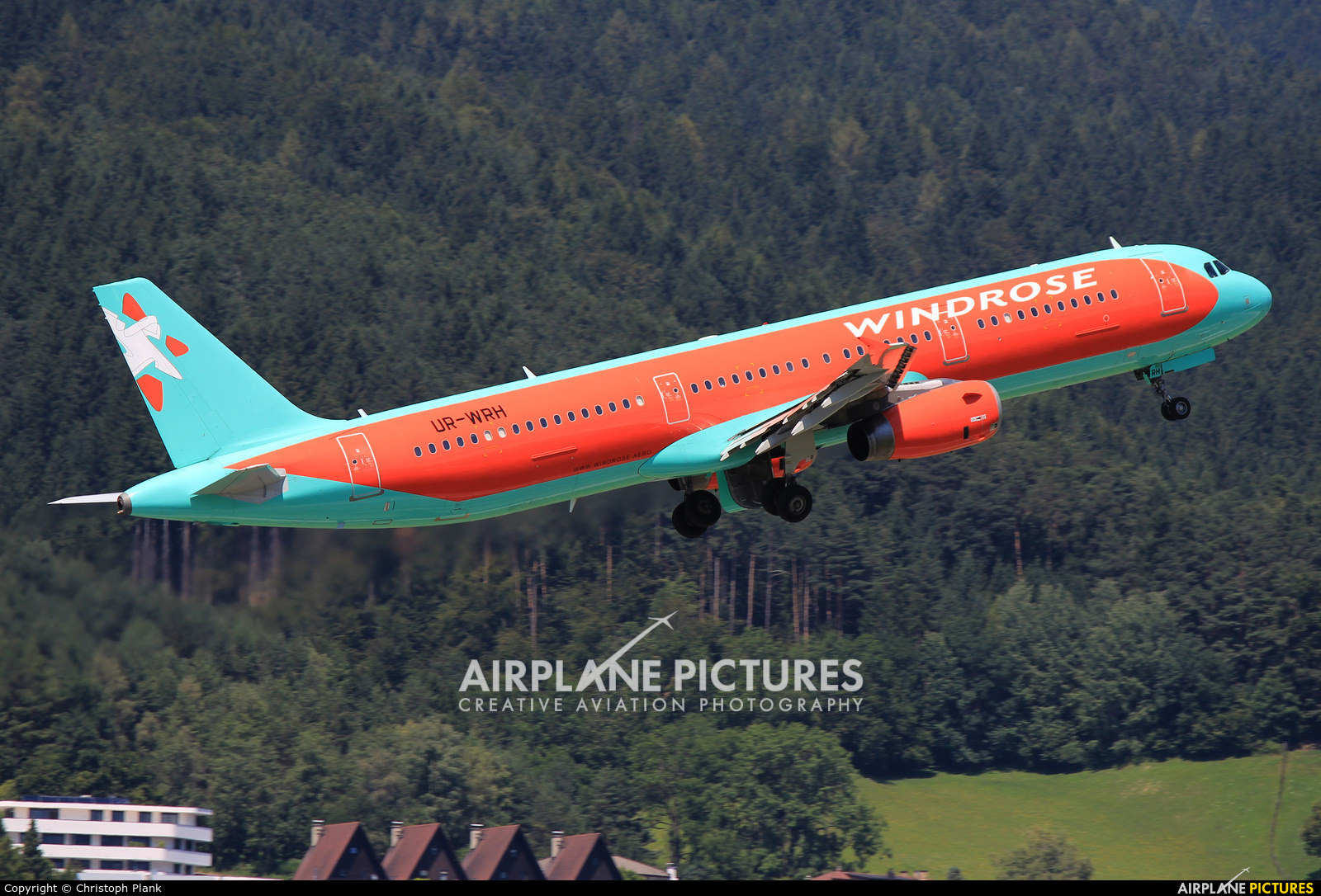 Windrose Air UR-WRH aircraft at Innsbruck