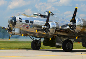 N3193G - Yankee Air Force Boeing B-17G Flying Fortress