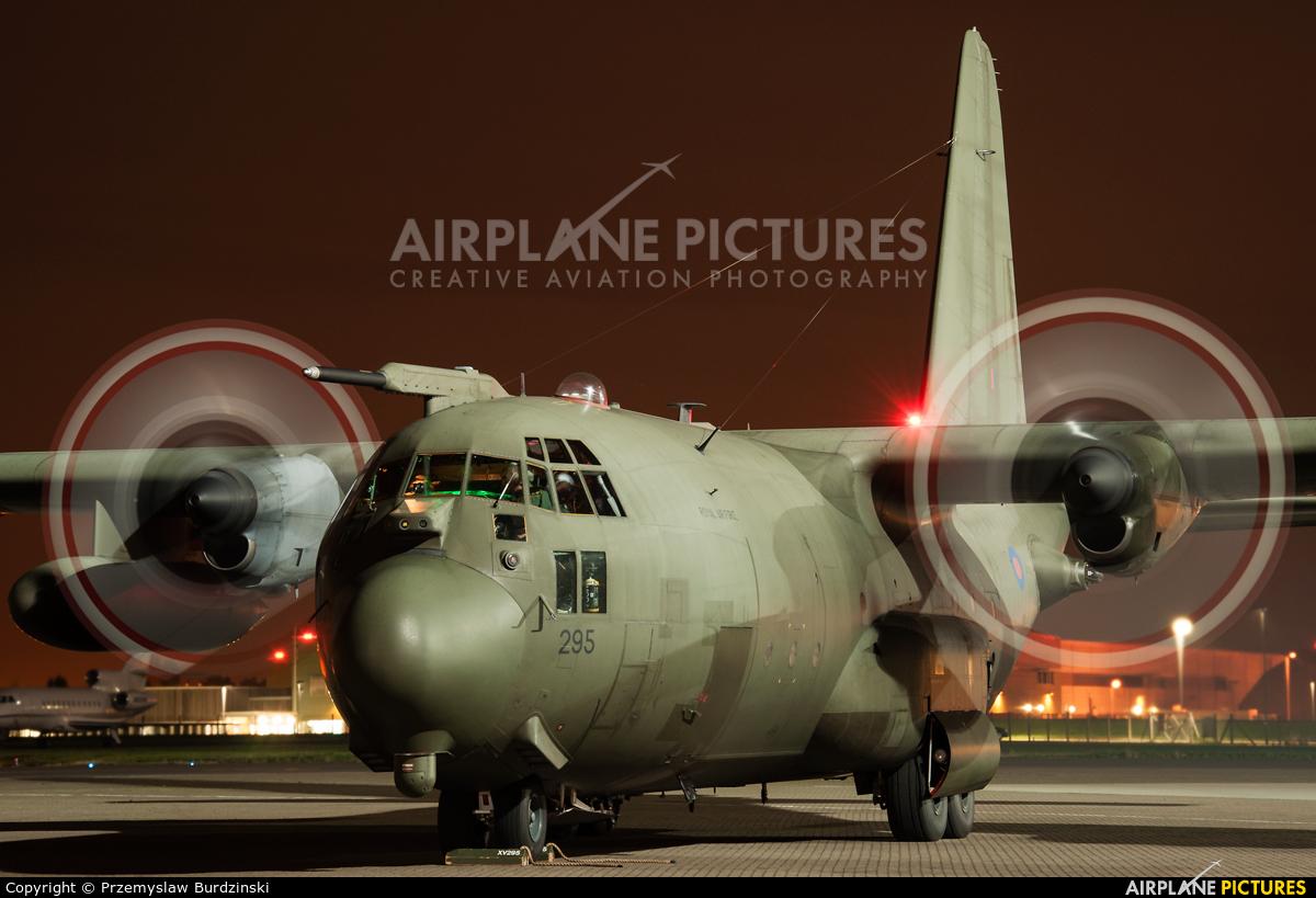 Royal Air Force XV295 aircraft at Northolt