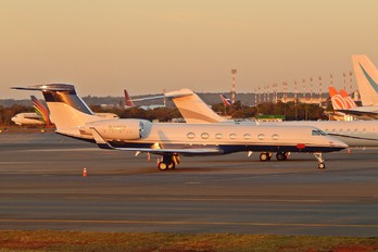 N415P - Private Gulfstream Aerospace G-V, G550 ELINT (Special missions)