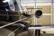 - - - Airport Overview - Airport Overview - Hangar aircraft
