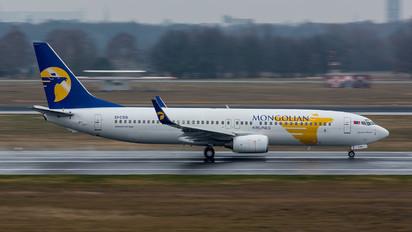 EI-CSG - Mongolian Airlines Boeing 737-800