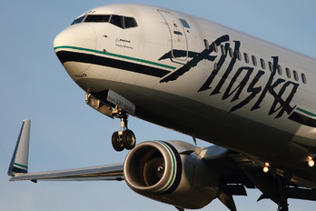 N597AS - Alaska Airlines Boeing 737-800