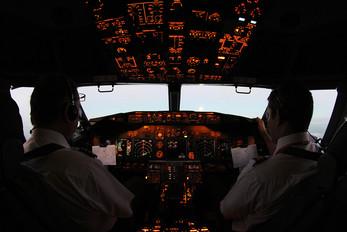 PR-GOF - GOL Transportes Aéreos  Boeing 737-700