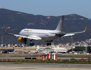 EC-MBS - Vueling Airlines Airbus A320