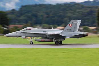 J-5015 - Switzerland - Air Force McDonnell Douglas F/A-18C Hornet