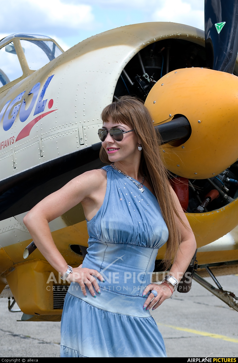 Aerobatic Yakkers LY-WAW aircraft at Satu-Mare