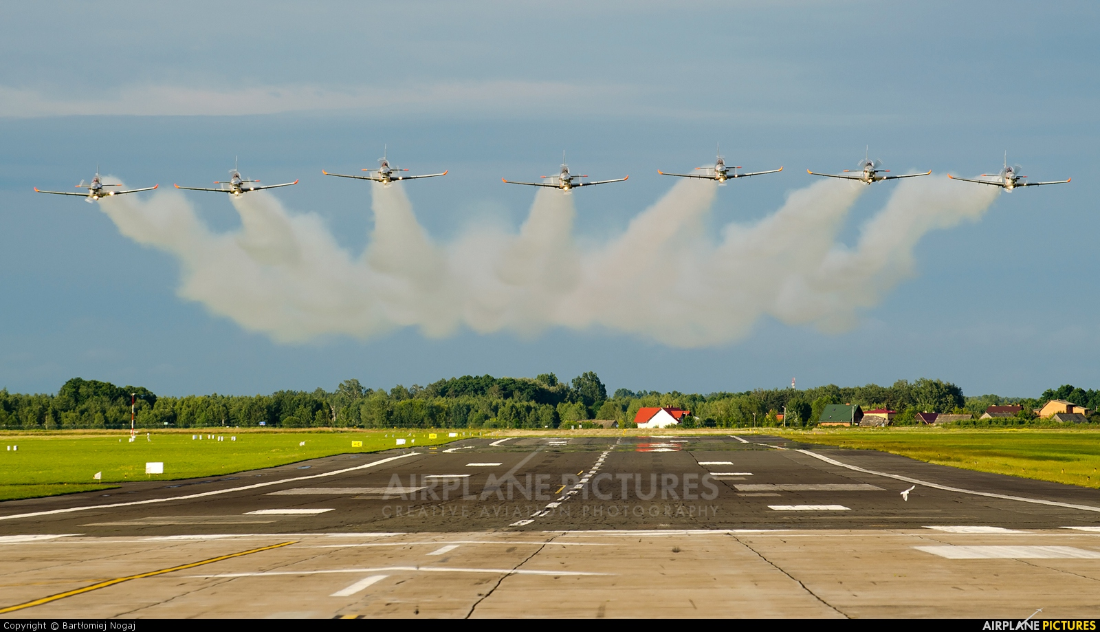 "Poland - Air Force ""Orlik Acrobatic Group"" 038 aircraft at Radom - Sadków"